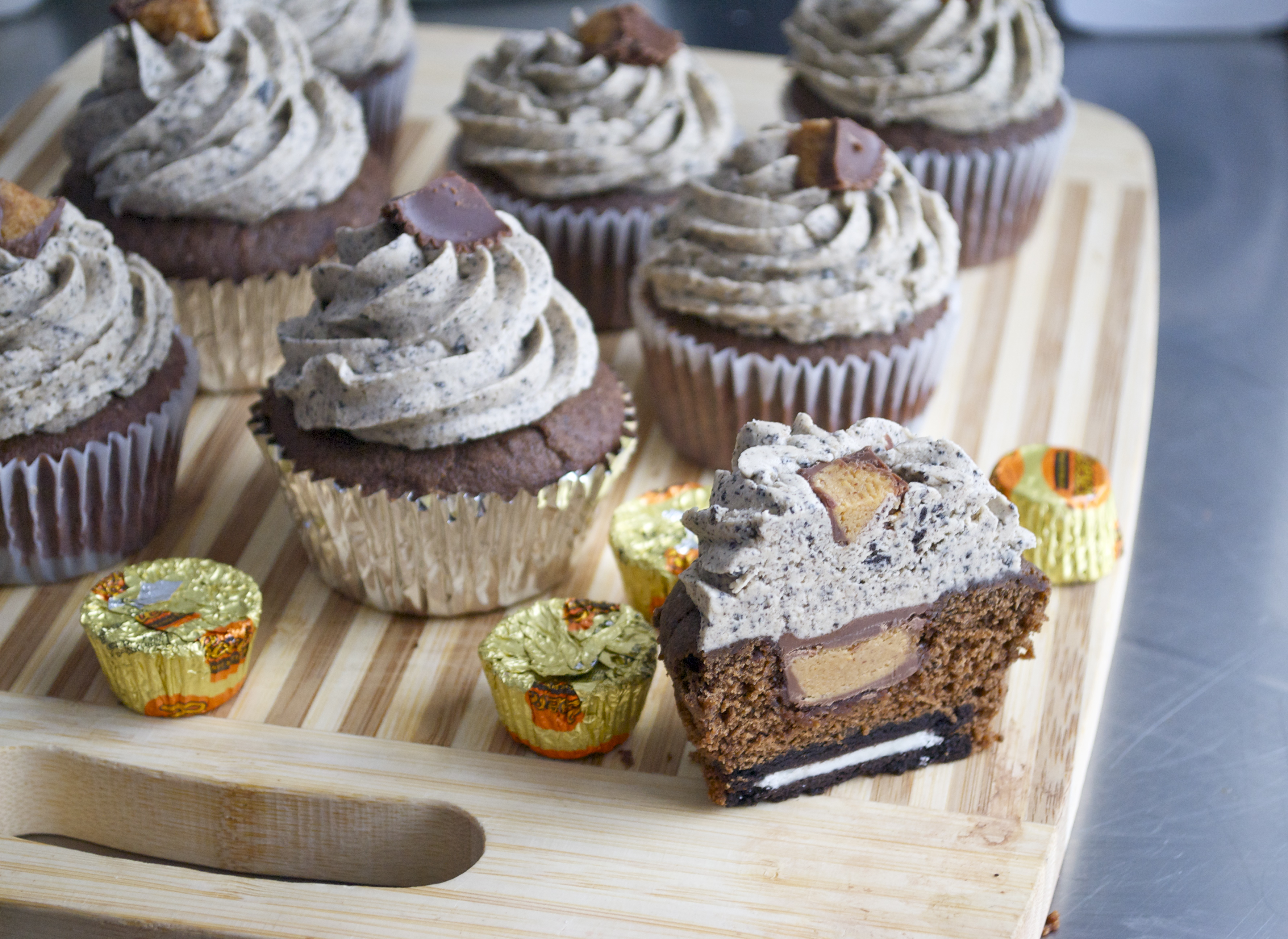 oreo peanut butter cup cupcakes