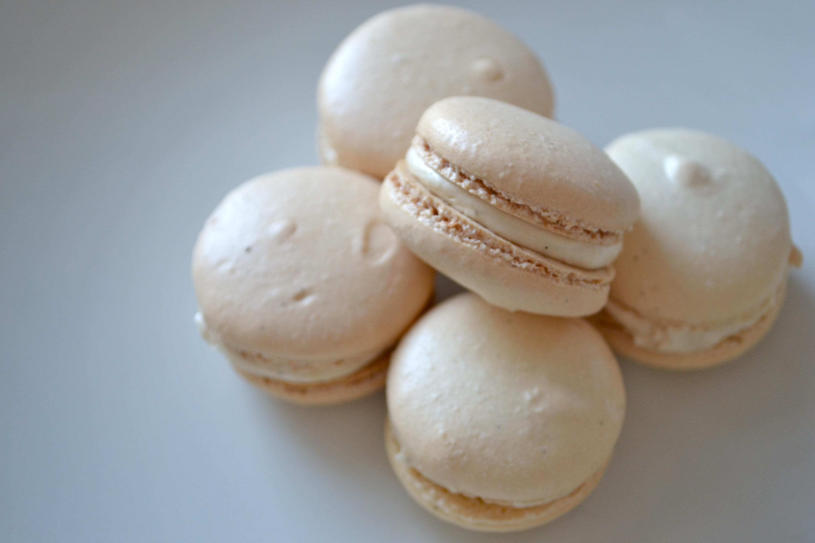 how to make vanilla macarons